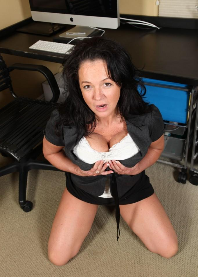 Sara a grandmother i love to fuck is a hot aged secretary with an awesome downlbouse