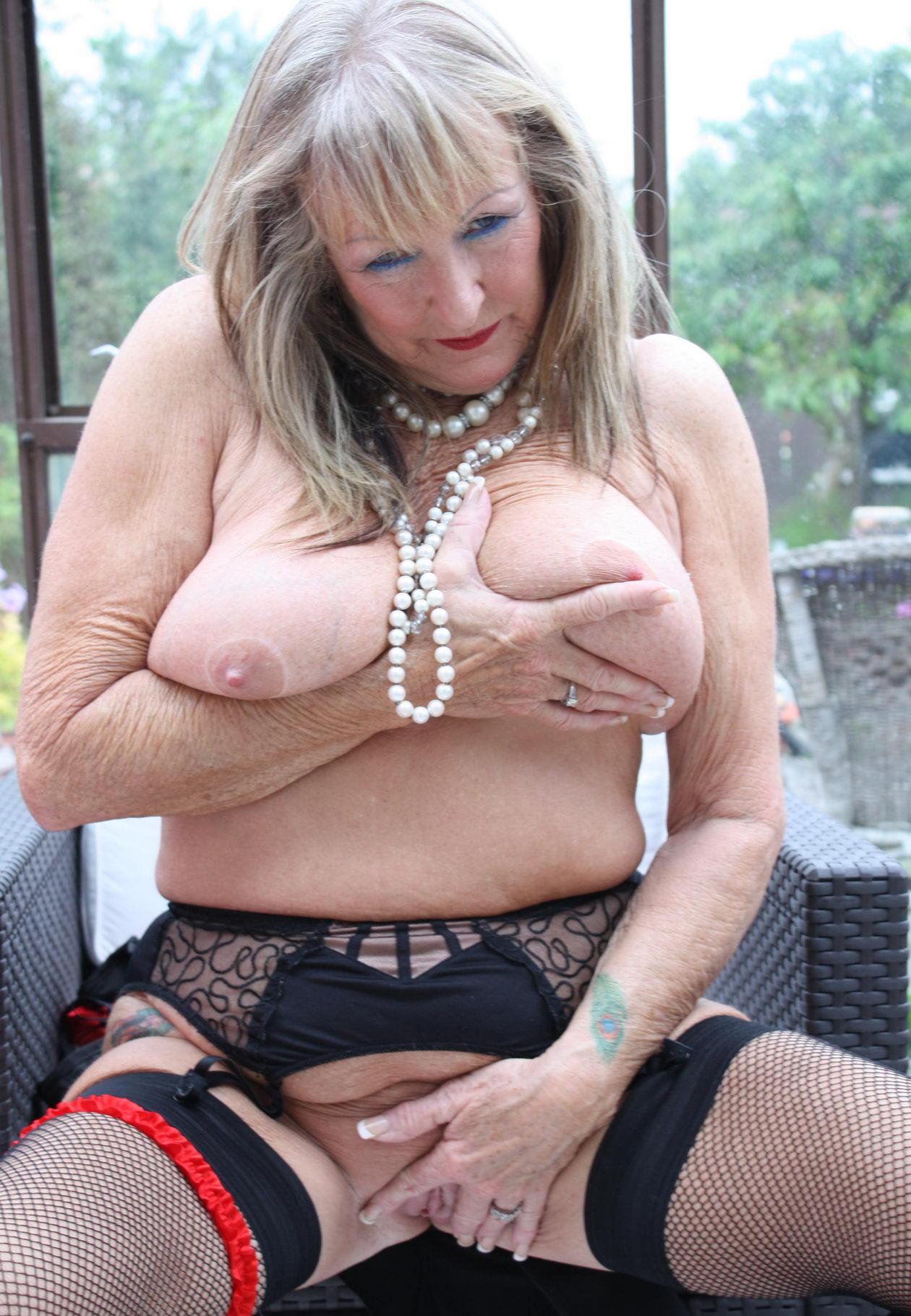 Makenzie ,a  anal addicted granny who gladly accepts offers to do hard sex teaching