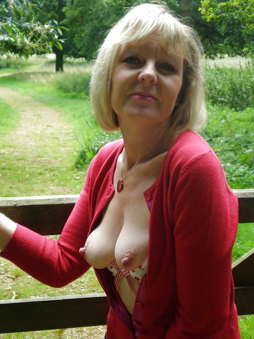 Brianna ,a  granny mistress who enjoys to give lovesick oralsex