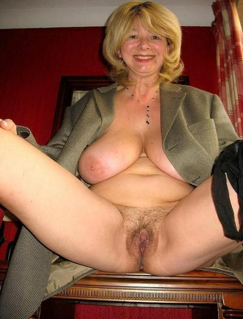 Tierra a grandmother i love to fuck sreads her hot hairy coffing for you to cum inside