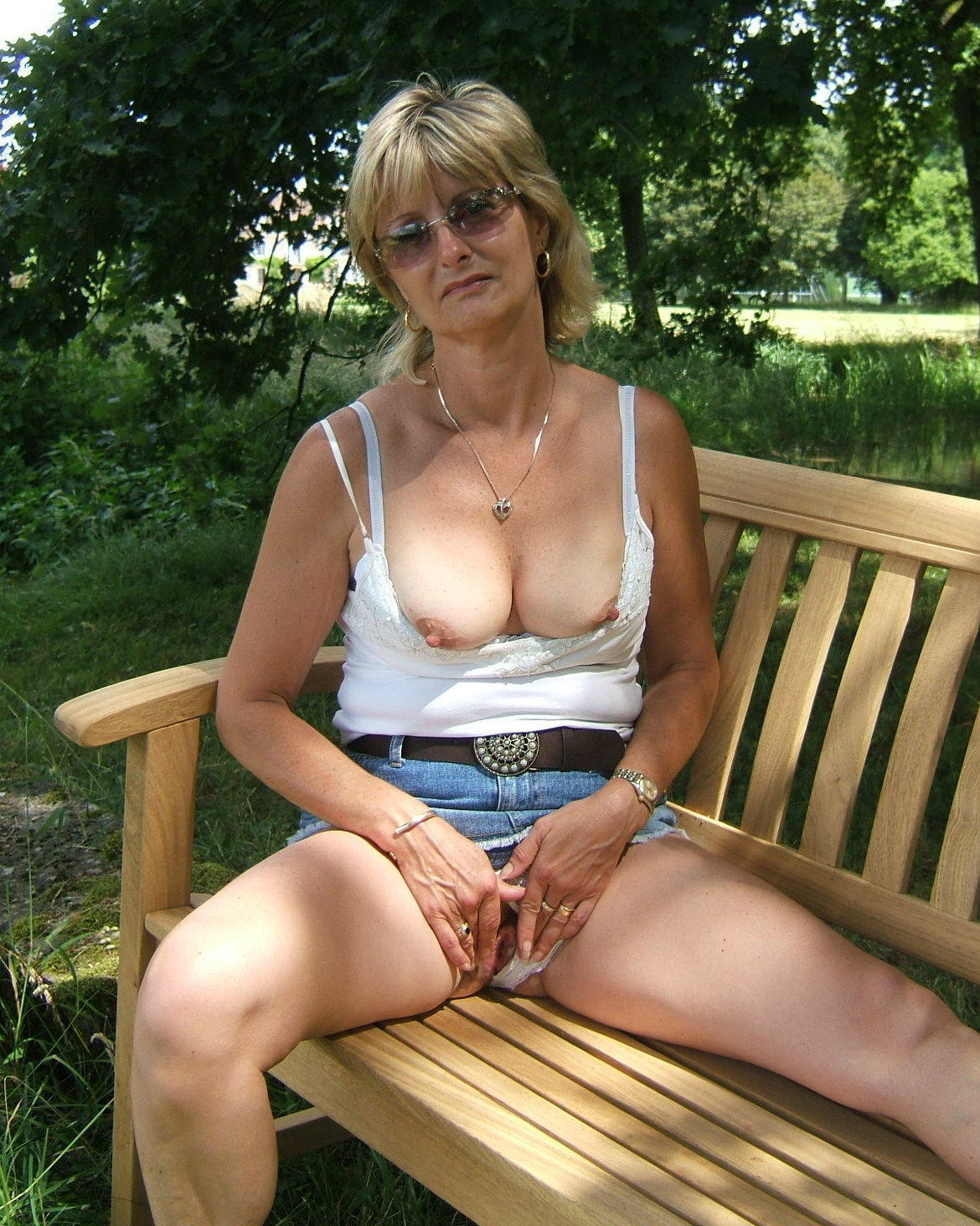 Brenda a divorced granny softly teasing her sweet old tight cunt