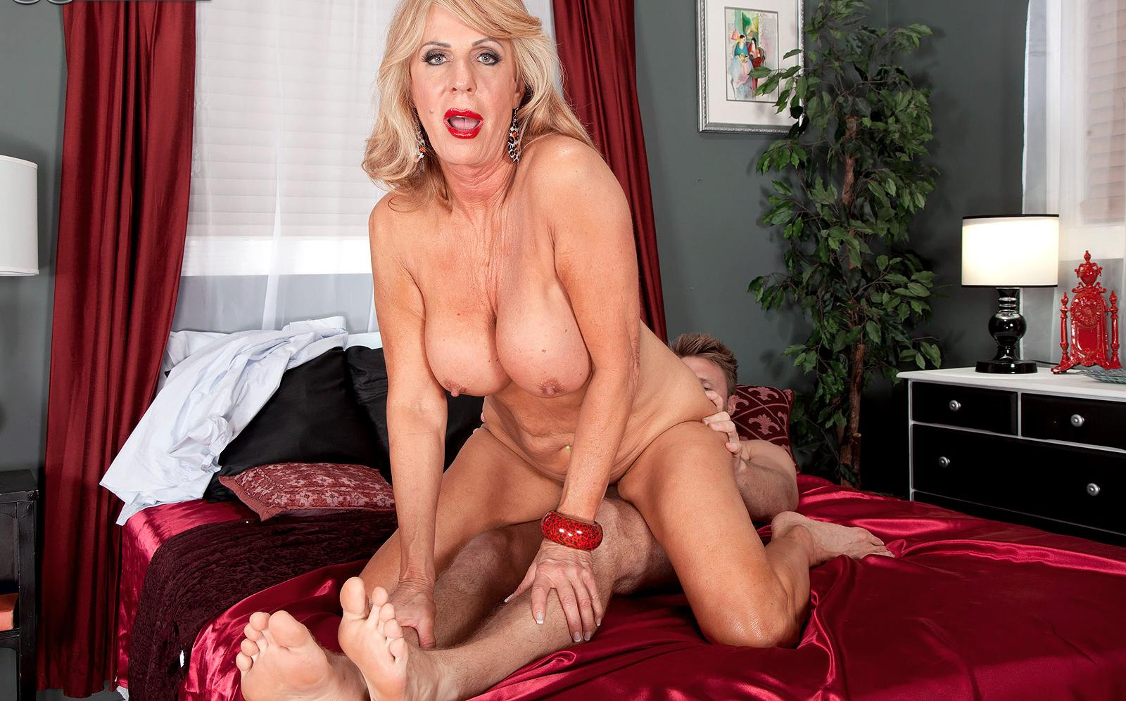 Kassandra a horny granny loves to facesit on young studs with her huge old vagina