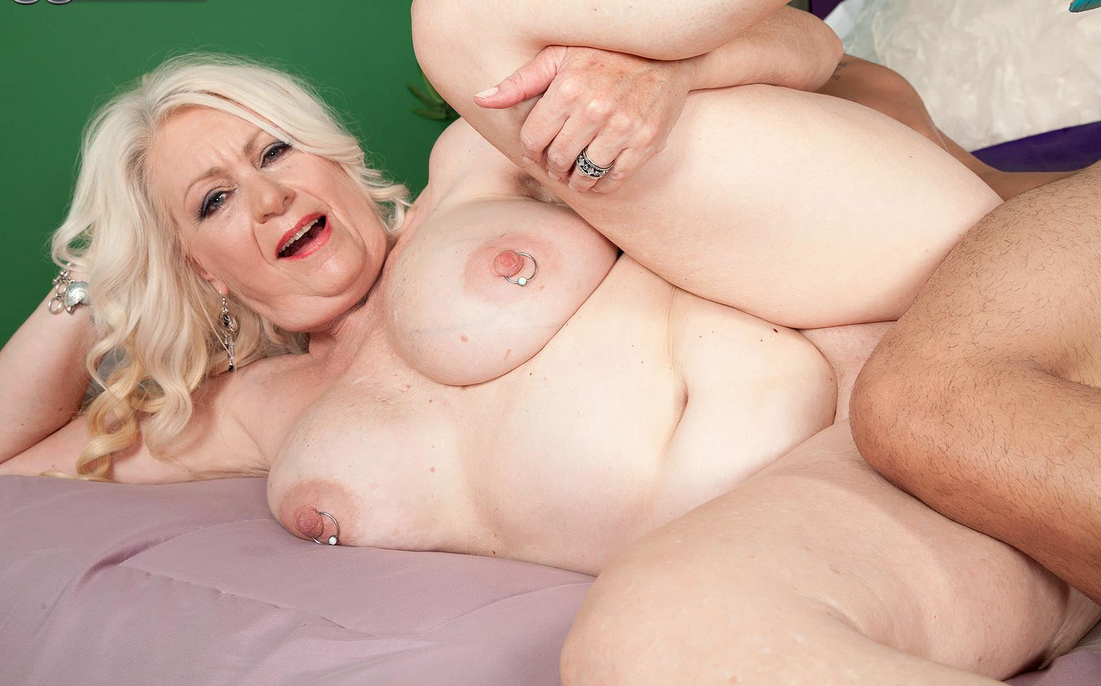 Brianna ,a  granny who has a huge interest to take it  deep in her hole