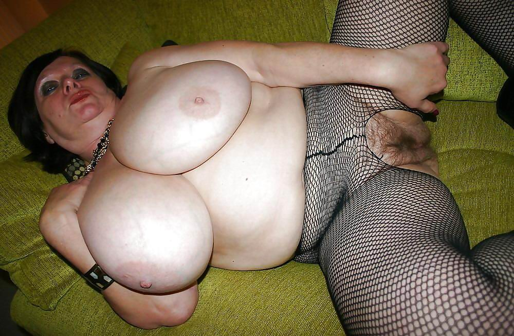 Tiara ,a  anal addicted granny who has a huge interest to practise ultimate analsex