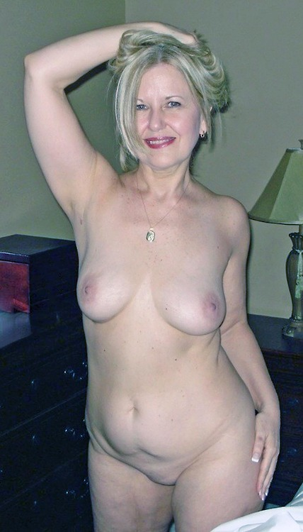 Karissa a old mature granny is one of the hottest amateur grannys this week