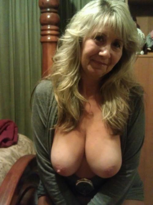 Heather a seductive granny shaking her hard old tits