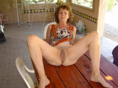 Kaylee ,a  sexy granny who never refused a man to do hard suck and fuck