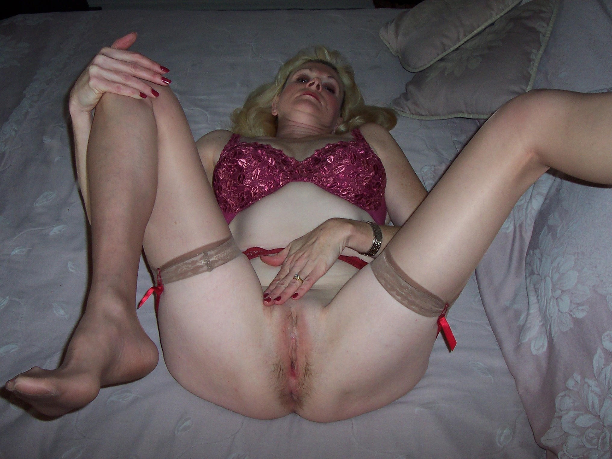 Ann a golden granny ready to get fucked in her sweet old hole