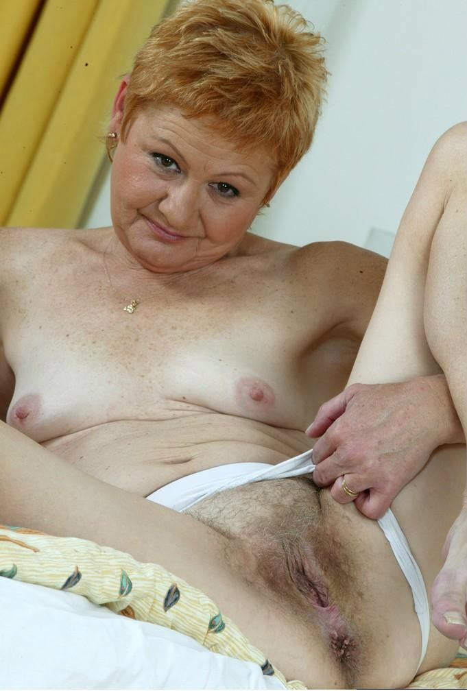 Renee a arround 63 years old ANAL GRANNY has a tight asshole
