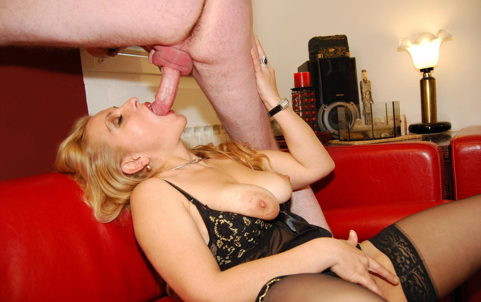 Martha a 51 old rotten SEXY MOM deepthroating her gym teacher