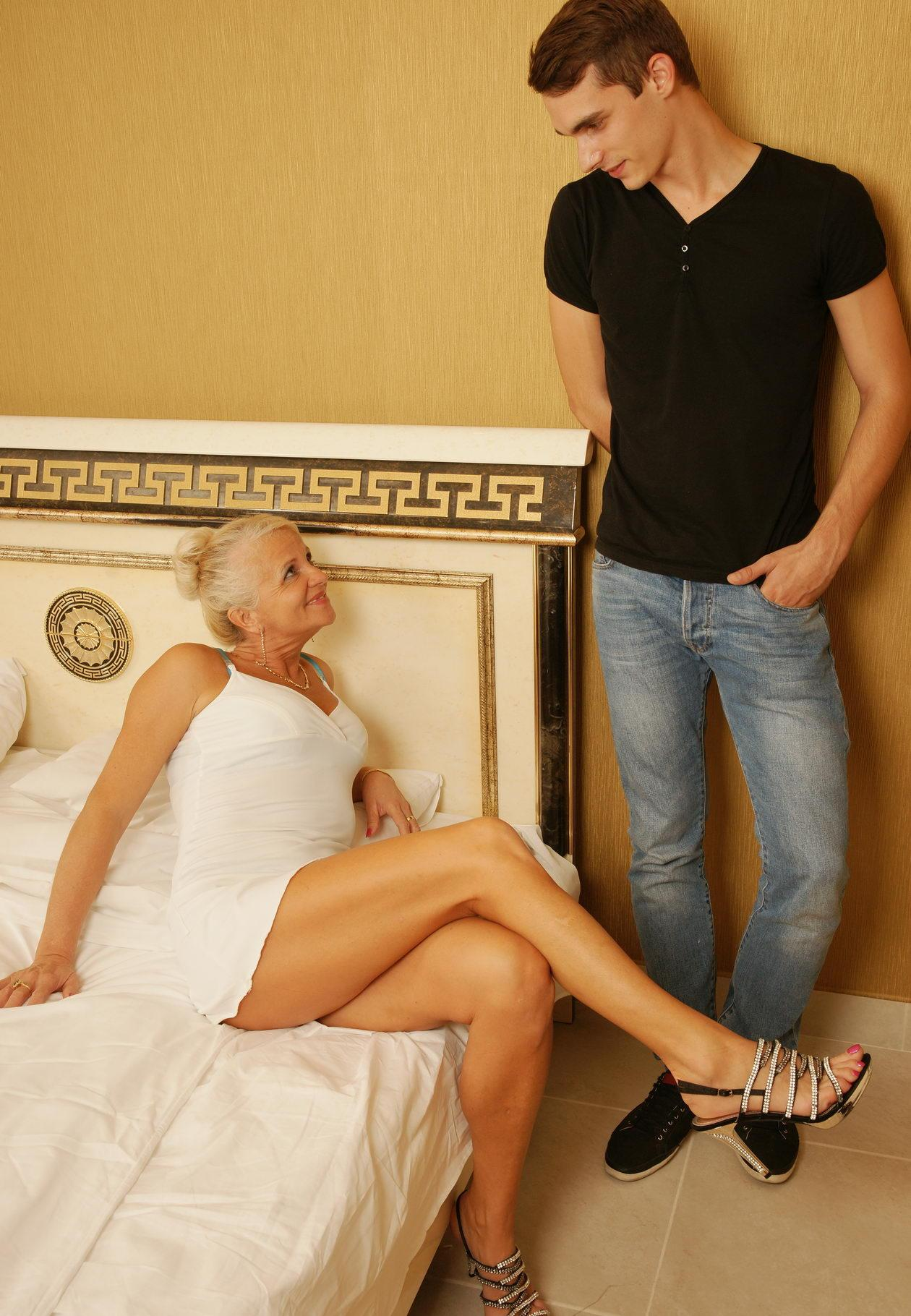 Alice a 61 old lustful SEDUCTIVE GRANNY seducing a young dude
