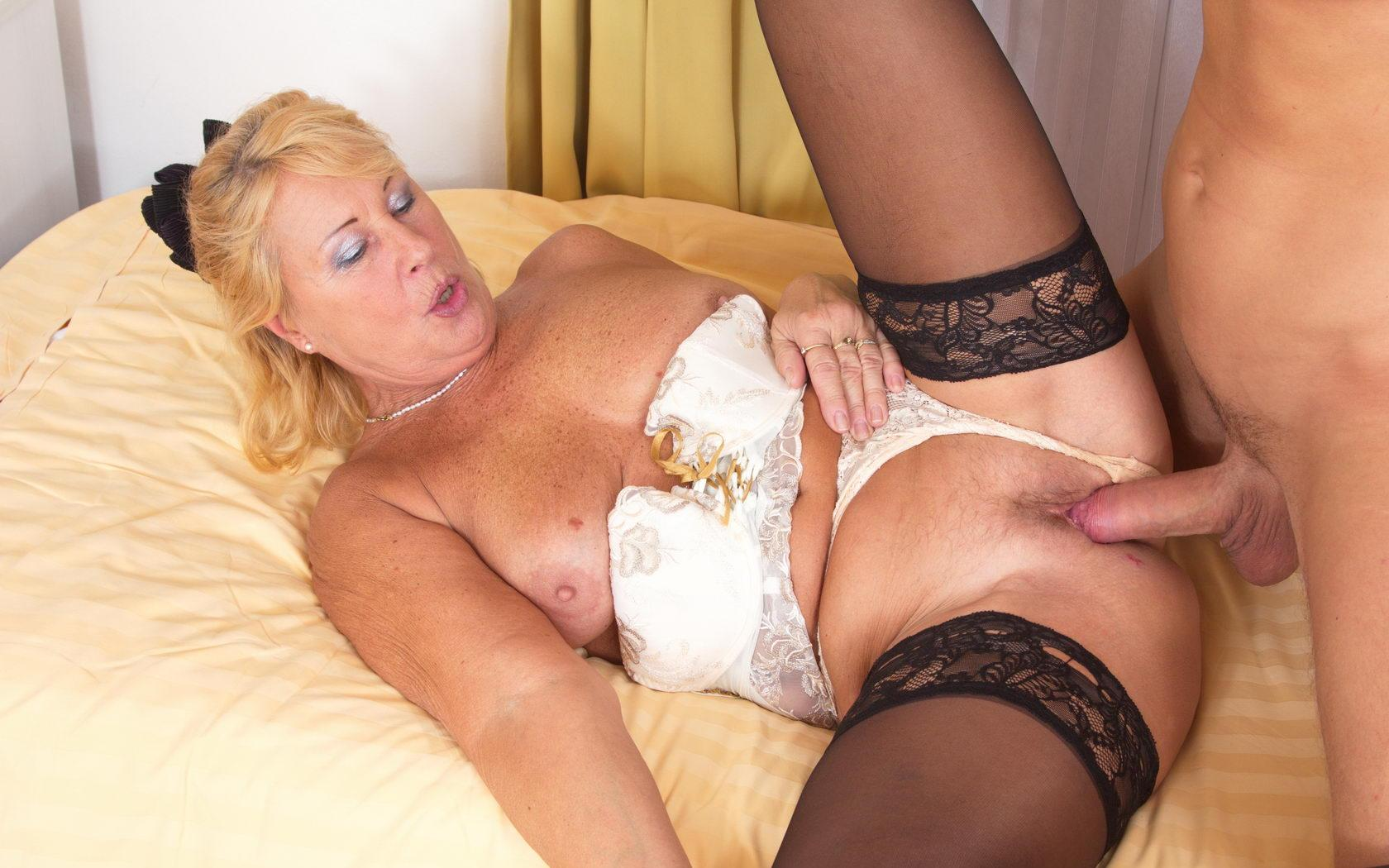 Erika a 69 old aged FUCKED GRANDMOTHER feells a hard young penis in her old hole