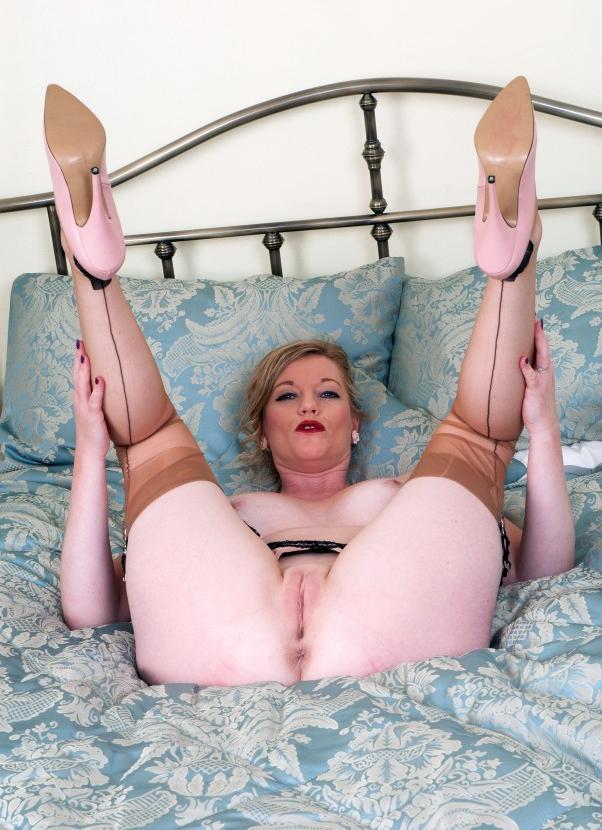 pic ofAlisha spreading her wife pink large