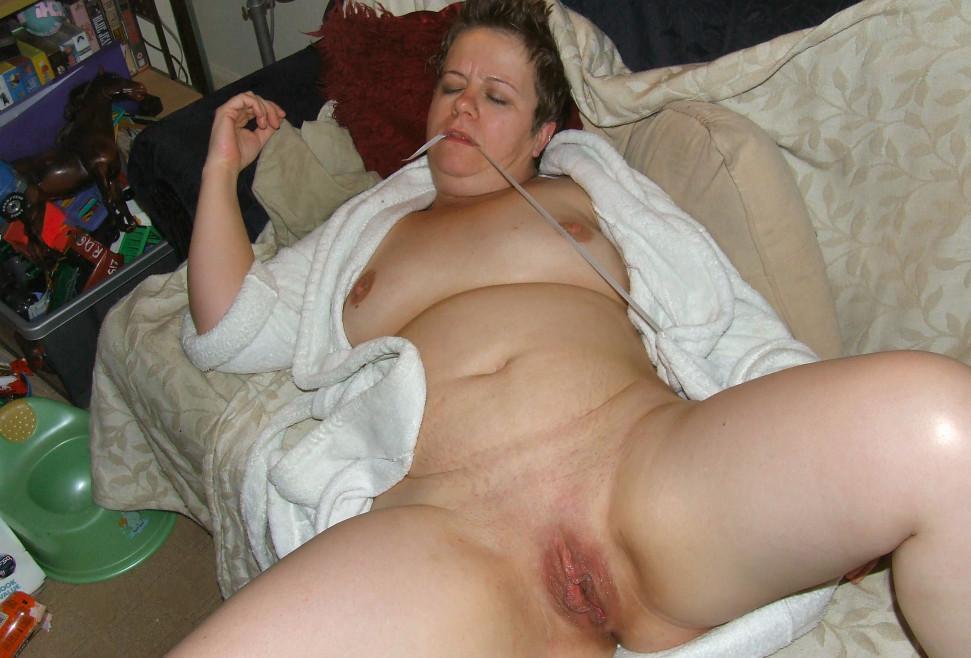 Lindsey a 71 old cute HOMEMADE GRANNY felt asleep after a huge intense orgasm