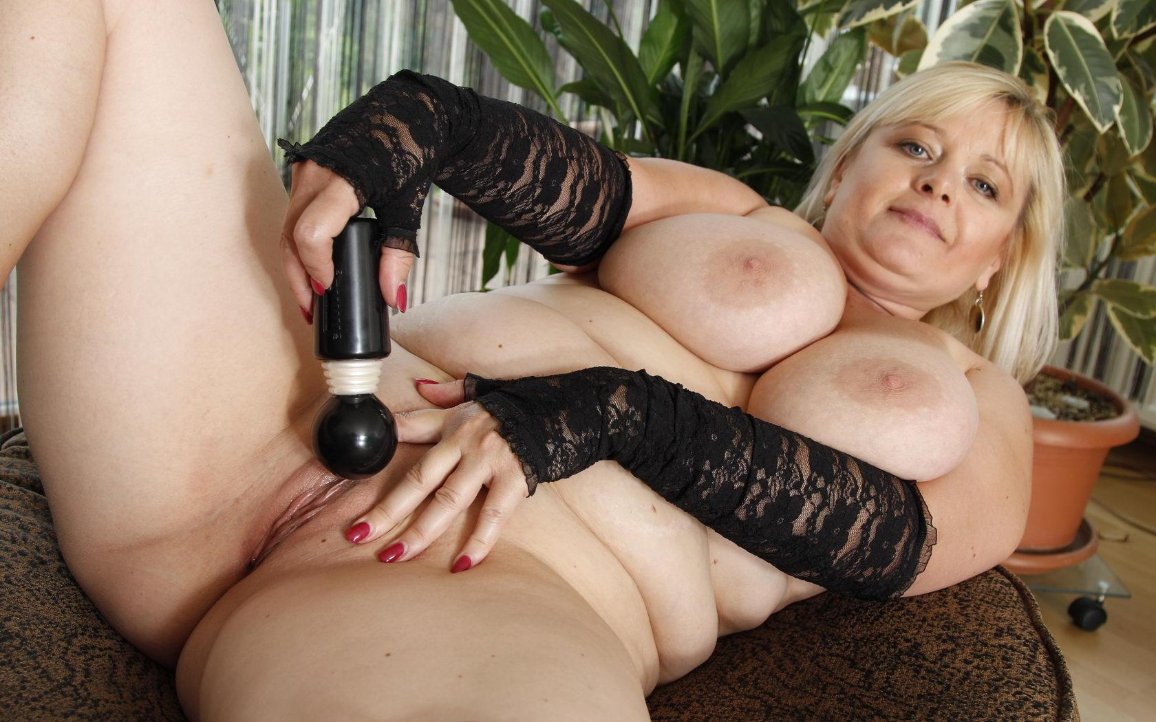 Heather a 64 old  is a cute aged whore from netherlands