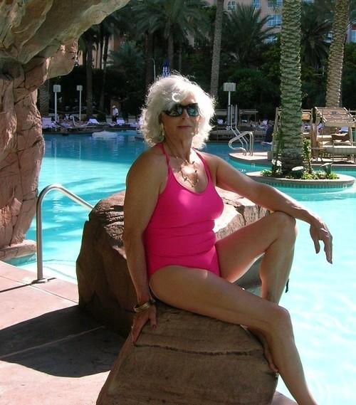 Gloria a 75 old greedy FLASHING GRANNY here in a sexy pink bikini