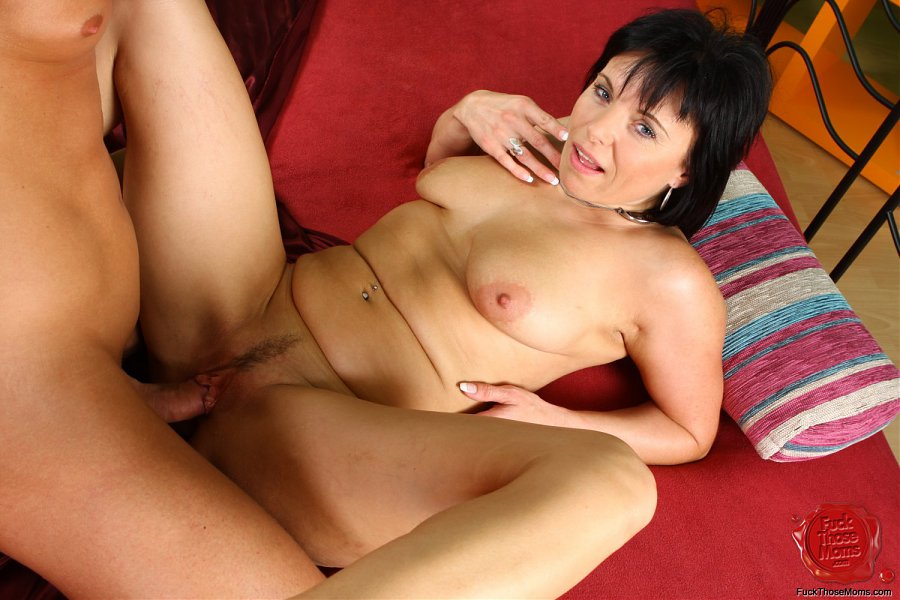 Carissa a 54 old aged SEXY MOM just is close to a huge wet orgasm