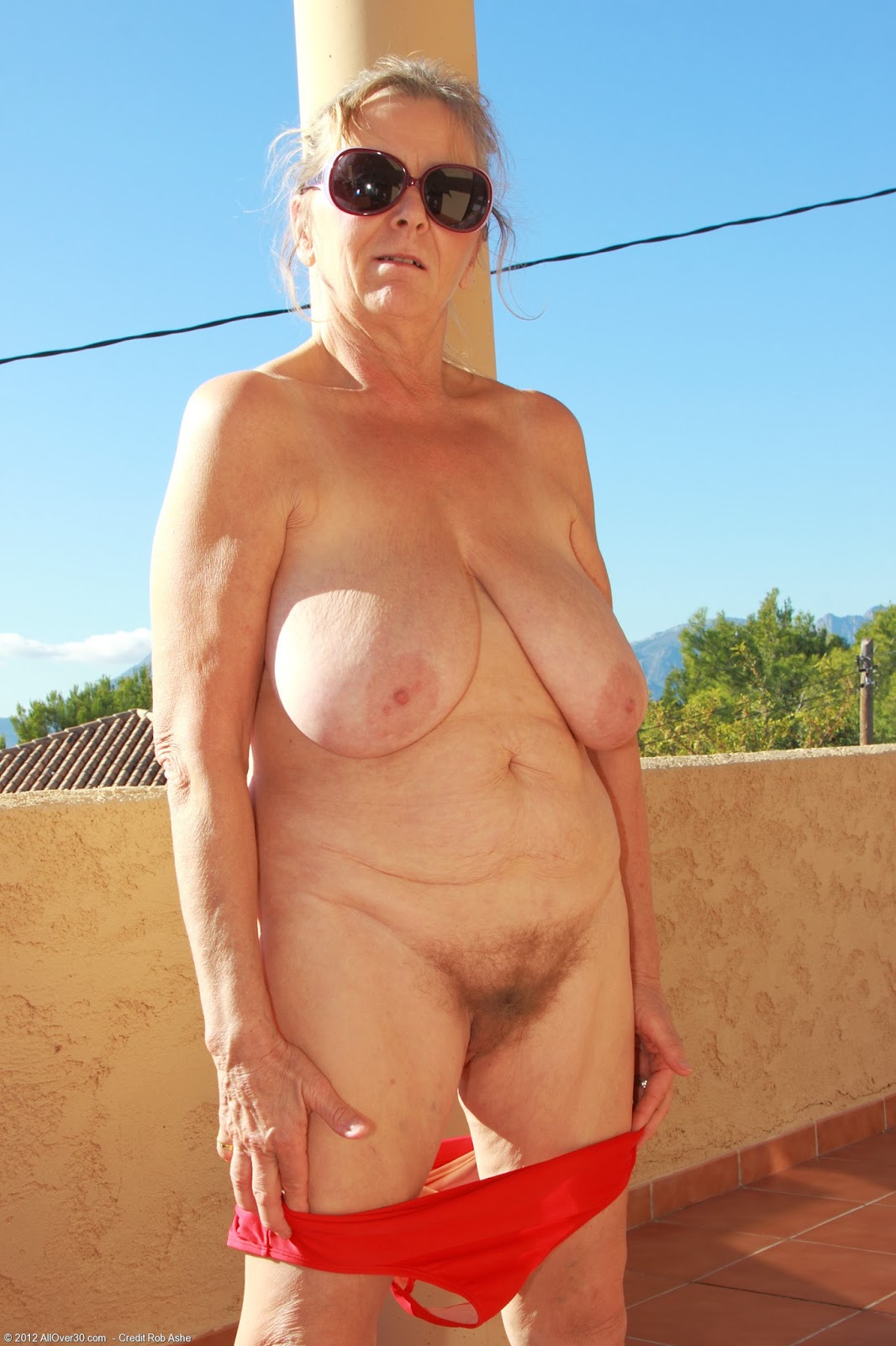 Heidi a 73 old perverted HOMEMADE GRANNY observing her old wet pink