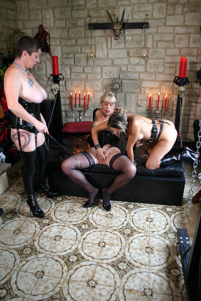 a filthy bdsm granny does abuse her stepdaughter to make her slave of her old pussy