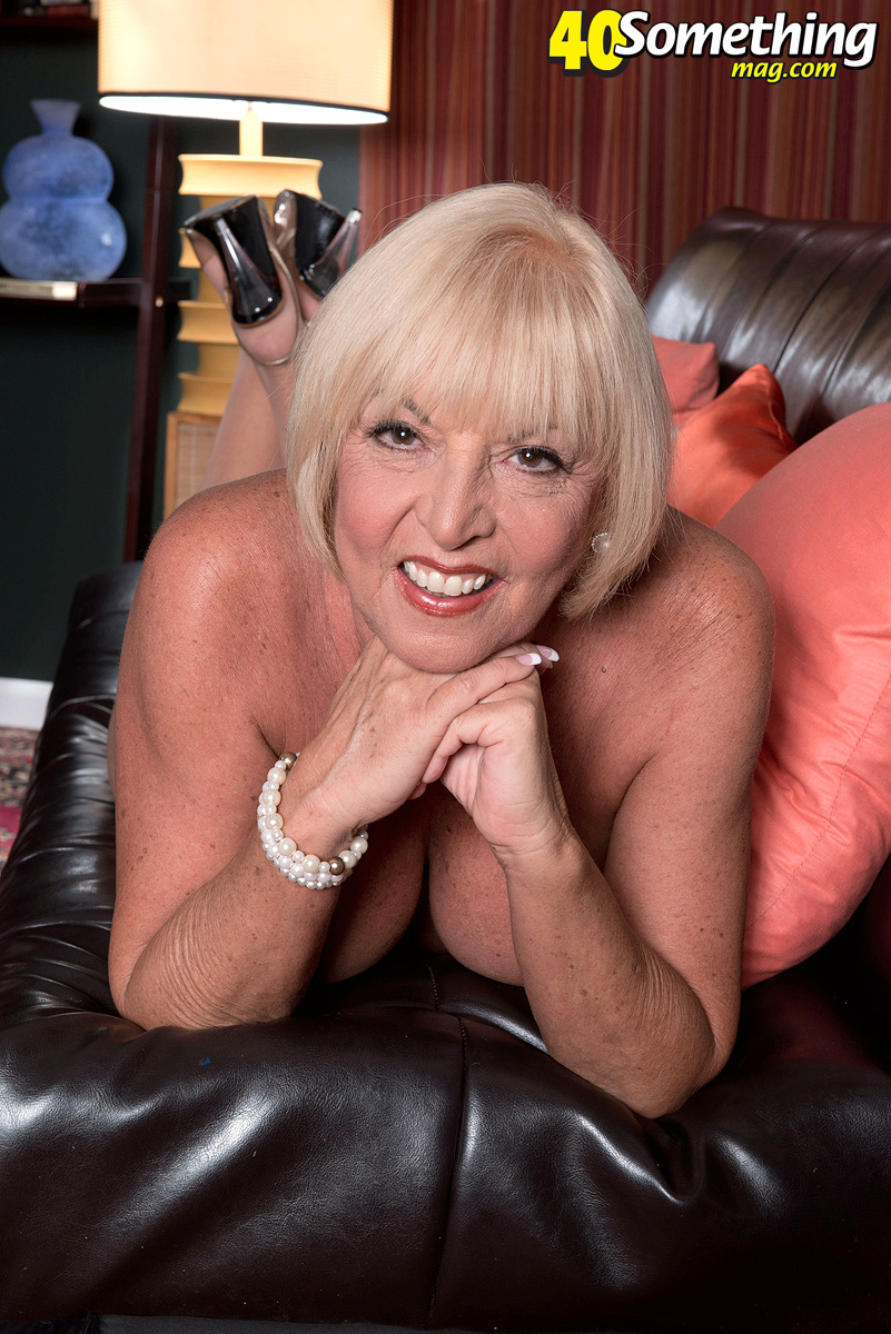 experienced mature scarlett andrews was a former stewardess