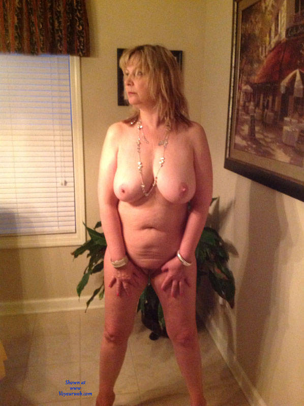 drunk mom has to get drunk and naked while shes getting the news that shes a granny now