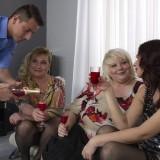 granny orgasming at the party #15_thumb