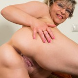 swinger granny in crouchless stockings #4_thumb