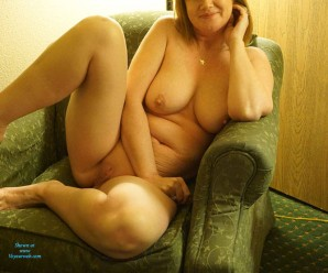 sexy old lady flashing naked in the hotel room and waiting for the roomservice