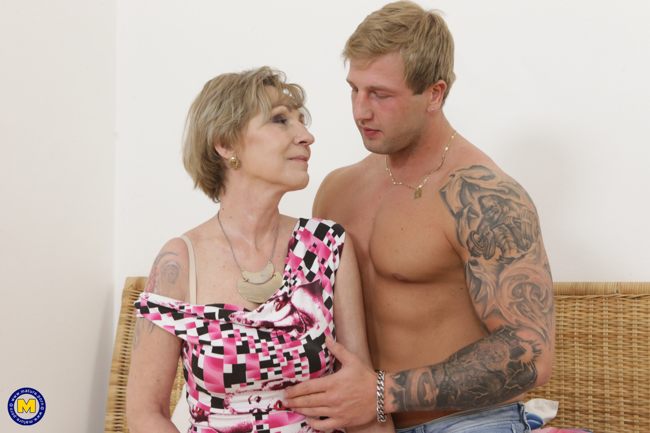oma is so happy about her new young lover , he can eat her pussy like no other man in her life before #1