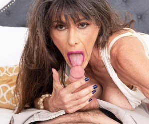 skinny, slightly scrawny and athletic older women gets fucked in her tighty arsehole so hard, that it hurts a bit