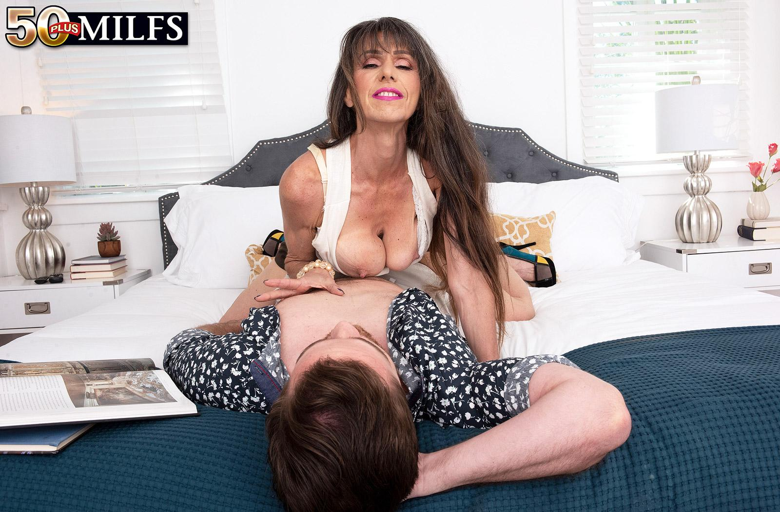 skinny, slightly scrawny and athletic older women gets fucked in her tighty arsehole so hard, that it hurts a bit picture 10