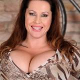 mature boobs to impress – busty mature laura orsolya #13_thumb