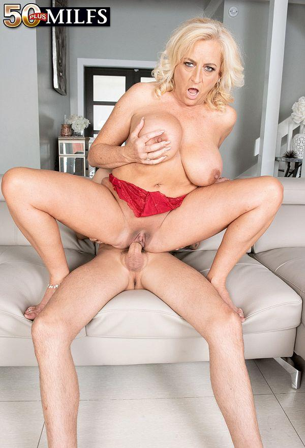 Charli Adams' first time - Charli Adams and Tyler Steel (92 Photos) - 50 Plus MILFs picture 2