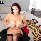 How a sexy MILF starts her day - Vanessa Videl (60 Photos) - 50 Plus MILFs picture 14