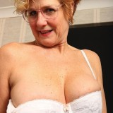seniors sex with posh 60 year old divorced and unfucked grandma elsie  picture 10