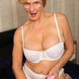 seniors sex with posh 60 year old divorced and unfucked grandma elsie  picture 6