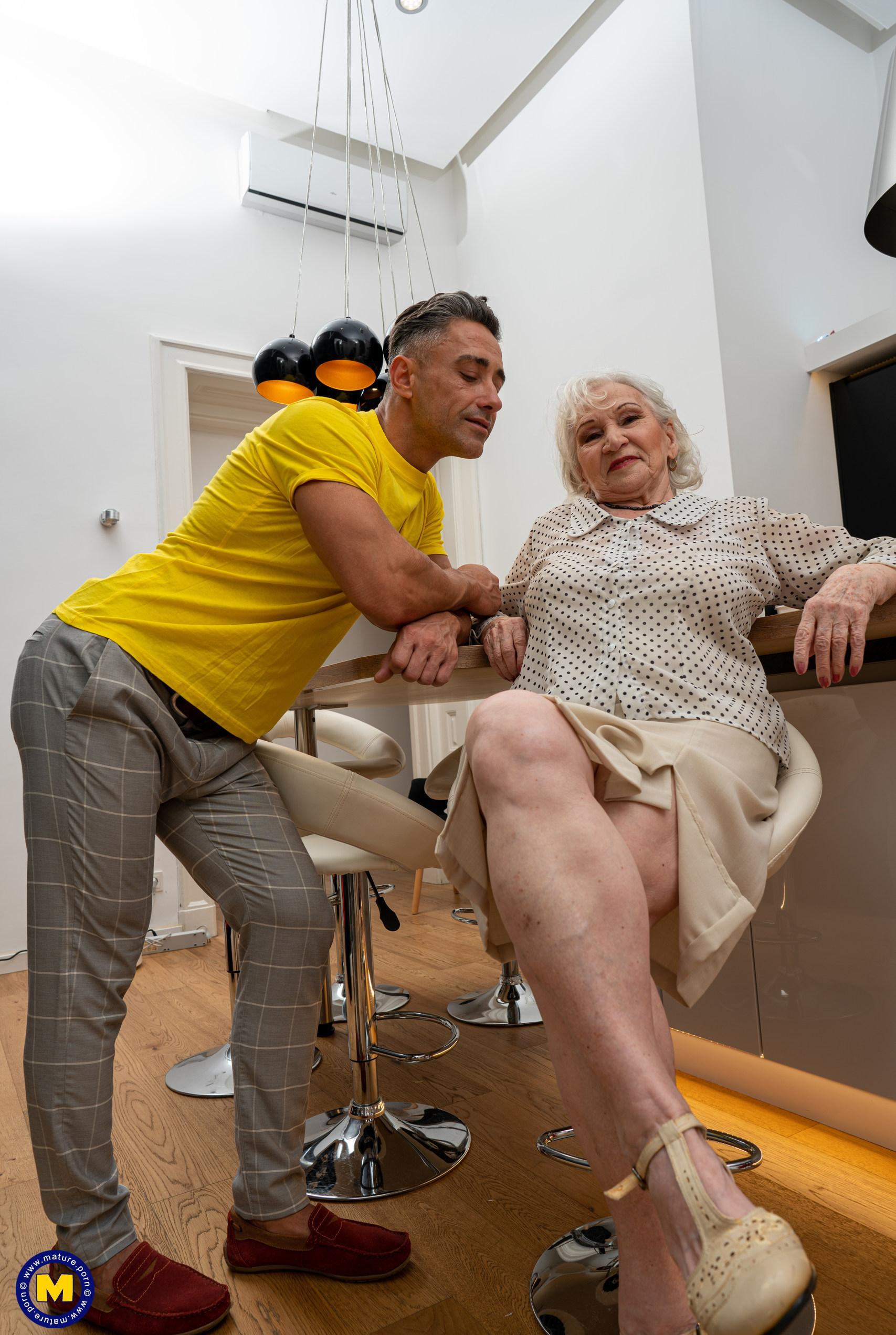 granny gets her 70year old pussy destroyed by hot bodybuilder picture 2